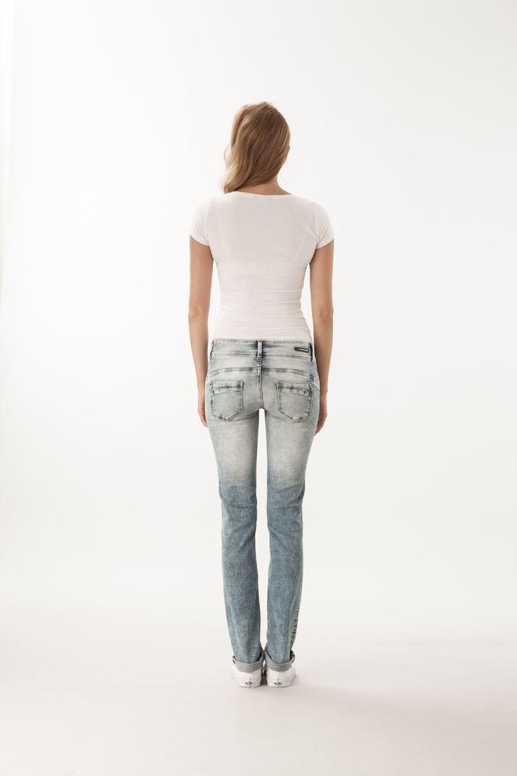 Melly / Slim Fit  #denim #CrossJeans