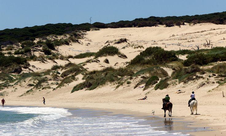 Playa de valdevaqueros tarifa c diz playas de c diz for Piscinas naturales bolonia cadiz
