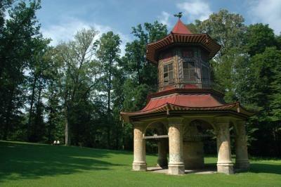 Kudy z nudy - Čínský pavilon a další romantické stavby ve vlašimském parku