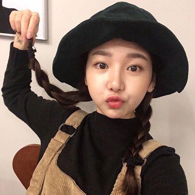 오늘의 인스타훈녀~! 축하드립니다 @j._hyoni 님! 인스타그램에서 @ulzzangasiaofficial 를 팔로우 하고 #오늘의훈남 또는 #오늘의훈녀 태그를 사용해서 다음 인스타 훈녀 및 훈남이 돼보세요~! #셀카 #셀스타그램 #selfie
