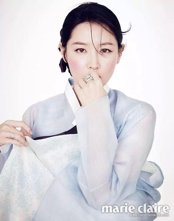 Korean traditional dress HAN-BOK  (Model : korean beautiful actress Lee young-ae) @helmilli