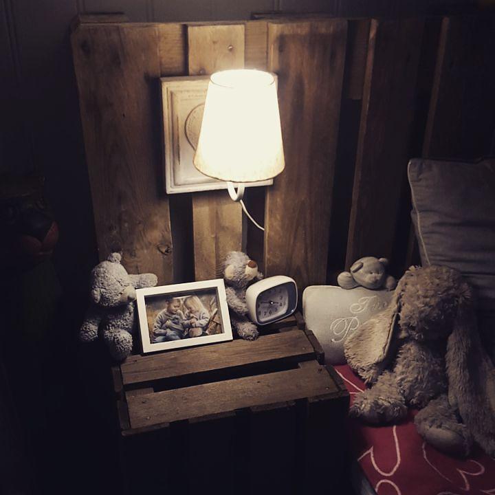 #sengegavl #europall #nattbord #eplekasse #interior #interiordesign #interiør #soverom #soverommet #gutterom #bedroom #gjenbruk by haglind87