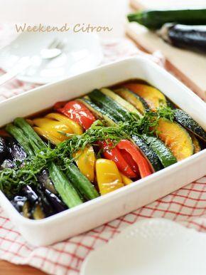 夏野菜の揚げ浸し by 北島真澄 / 作り置きに♪お野菜を揚げて漬けるだけの簡単レシピ。夏野菜をさっぱりたっぷり頂けます!おつまみやそうめんの具にも◎ / Nadia
