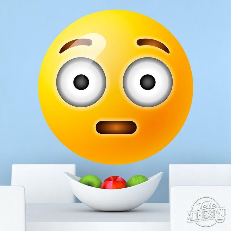 Vinilo decorativo de emoticono emoji cara sonrojada o sorprendida. #vinilo #emoticono #emoji #decoracion #pared #adhesivo #pegatina #TeleAdhesivo