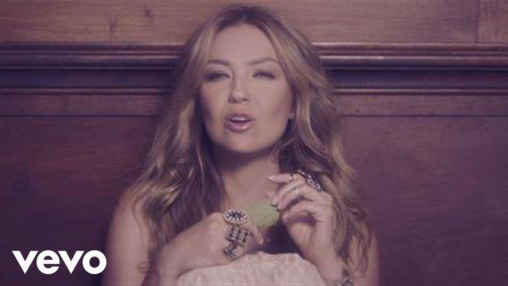 """Official video by Thalia performing Por Lo Que Reste De Vida. (C) 2014 Sony Music Entertainment US Latin LLC Listen to Thalia's new single """"Por Lo Que Rest..."