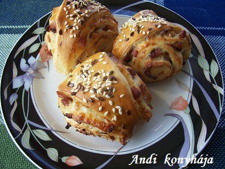 Sonkás-sajtos tekercs - Andi konyhája - Sütemény és ételreceptek képekkel