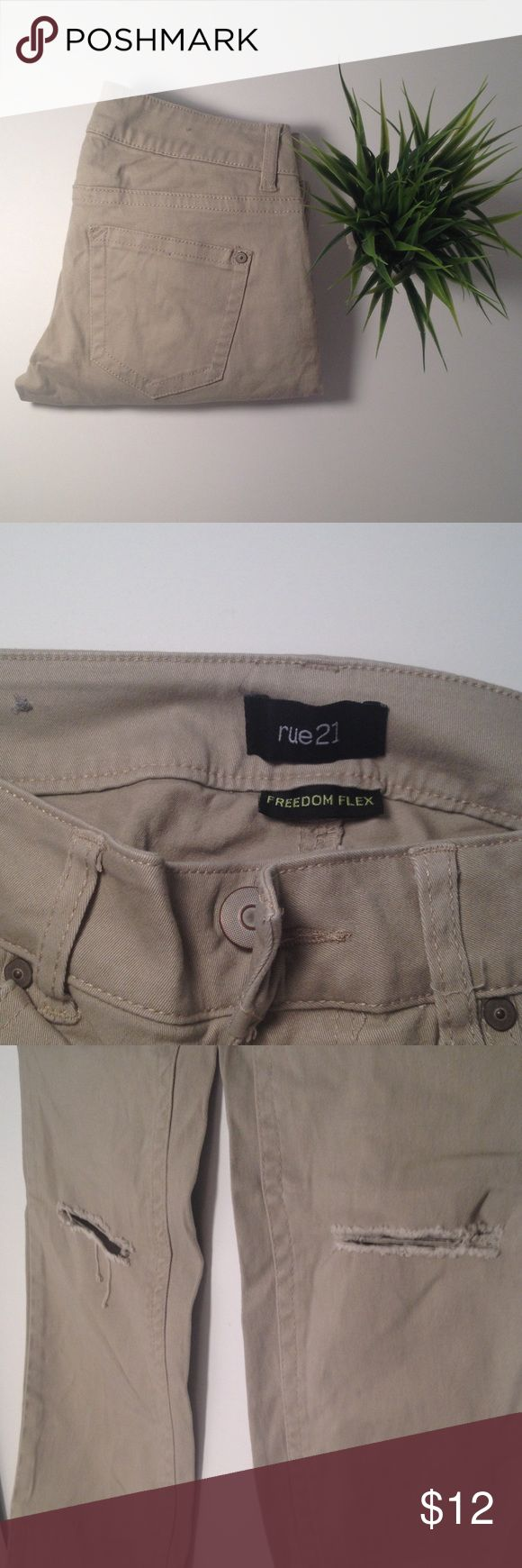 Rue 21 Freedom Flex Distressed Khaki Skinny Pants Rue 21 Freedom Flex Distressed Khaki Skinny Pants. Low Rise Jeans in a size 0. Composition is 98% cotton and 2% spandex. Rue 21 Pants Skinny