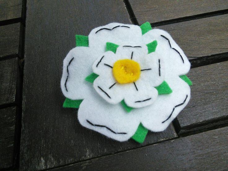 Felt Yorkshire Rose