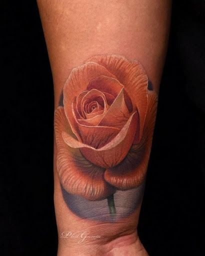 Esta intrincada rose tattoo http://tatuagens247.blogspot.com/2016/11/50-magnifica-rosa-tatuagens.html