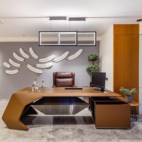 Modern Office Interior Design Pictures Creative Office Interior Design Online Office In 2020 Office Interior Design Office Furniture Design Luxury Office Furniture