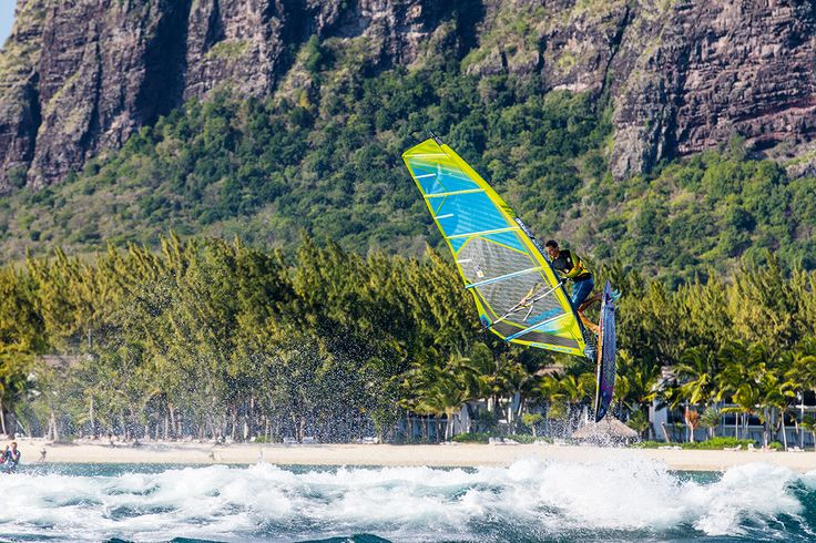 Transwave 2106: The Transwave is the power pack among our wave sails. #gunsails #Windsurfen #Segel #Mauritius