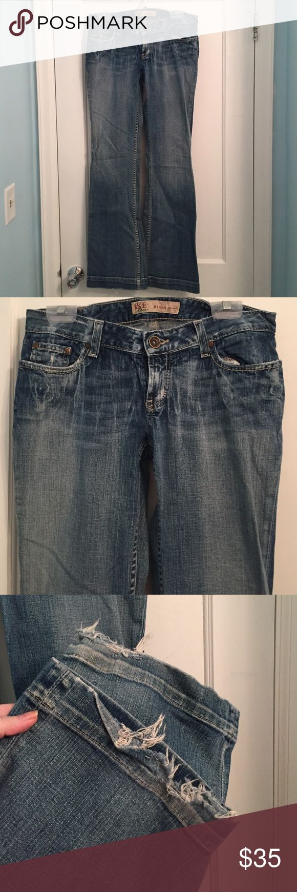 BKE Denim Stella Stretch Boot Cut Jeans Wear and tear at bottom of pant legs. No stains or holes. 29x33.5 BKE Jeans Boot Cut