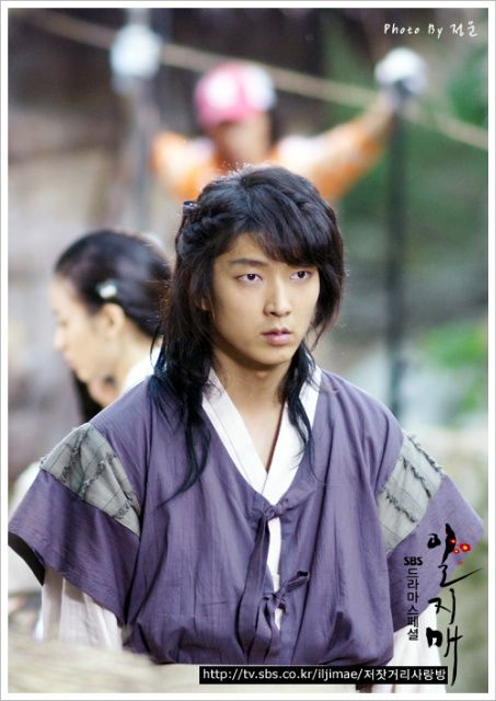 "Iljimae (Hangul: 일지매; hanja: 一枝梅; RR: Iljimae; literally ""One blossom branch"") is a 2008 South Korean period-action television series, starringLee Joon-gi in the title role of Iljimae, Han Hyo-joo, Lee Young-ah and Park Si-hoo. It is loosely based on the comic strip Iljimae, published between 1975 and 1977, written by Ko Woo-young based on Chinese folklore from the Ming dynasty about a masked Robin Hood-esque character during the Joseon era.이준기"