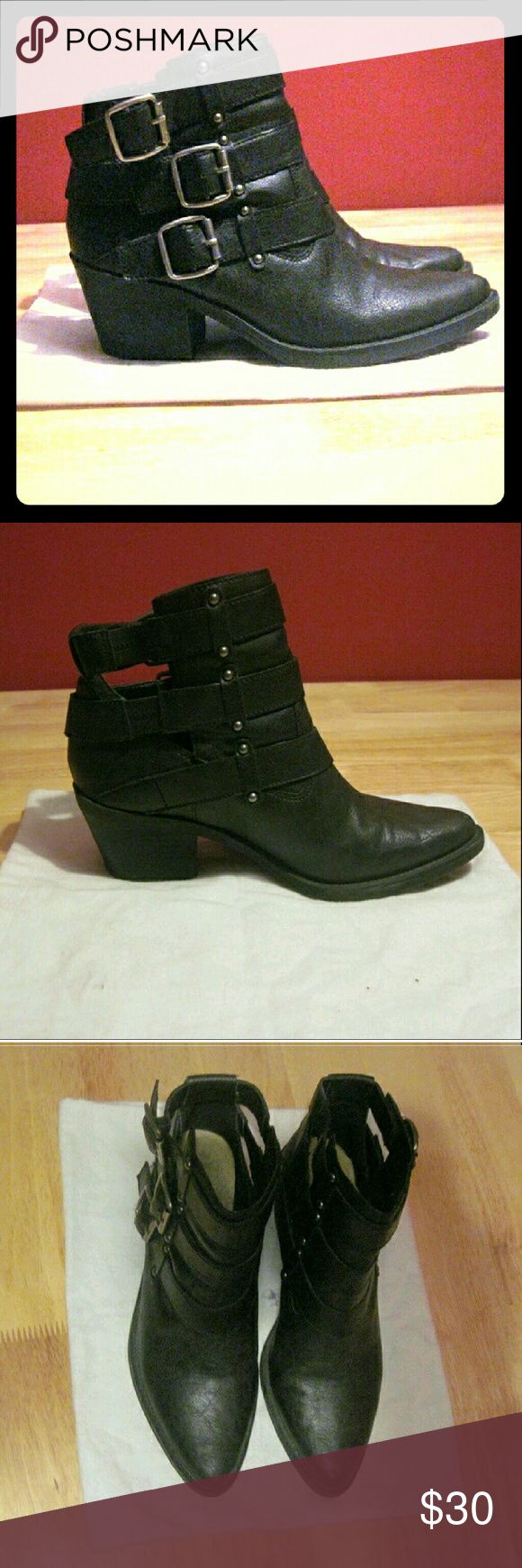 xmas sale rare black buckle booties classic Worn like twice. Comfy but my feet get too cold easily. Look higher end. Really on trend. Reasonable offers considered only. These are quite bad ass. Forever 21 Shoes Ankle Boots & Booties