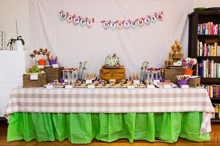Gruffalo party table