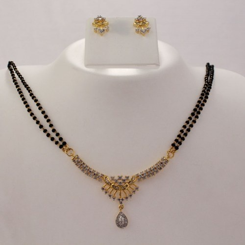 Mangalsutra Necklace Set-- My mangalsutra is pretty, but not THIS pretty!