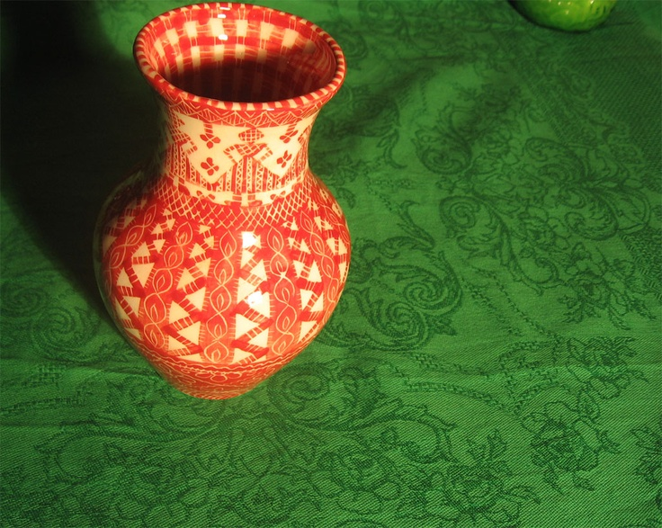 Vase from porcelain. (Handmade)    Ваза из фарфора, художественная работа.