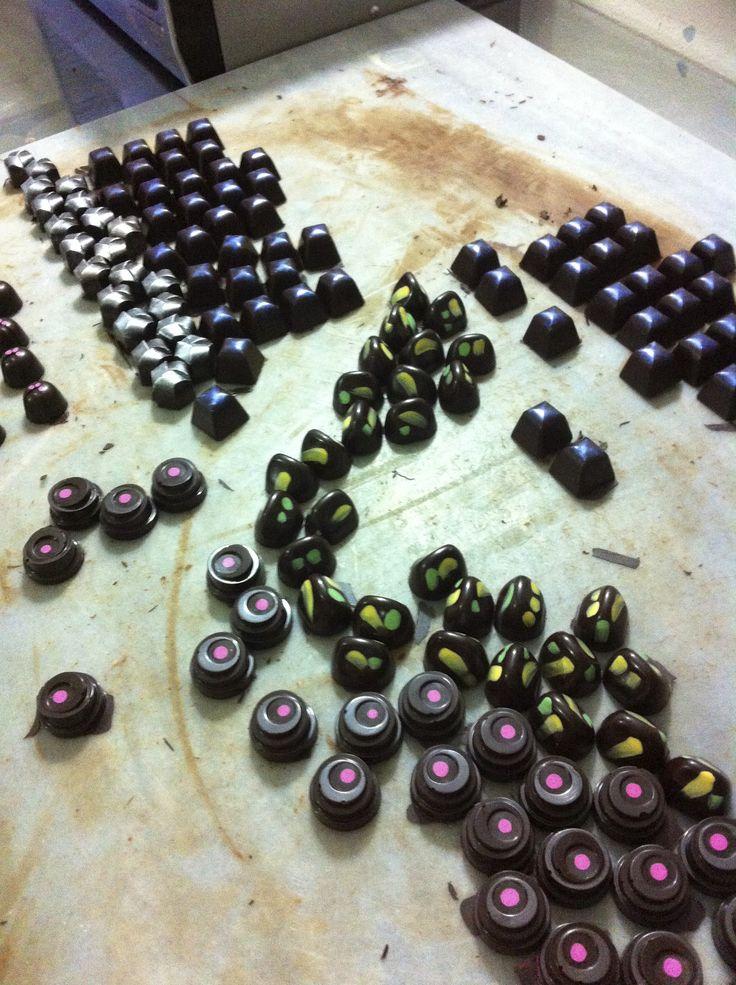 Nuestros bombones recién hechos y listos para acompañarlos...