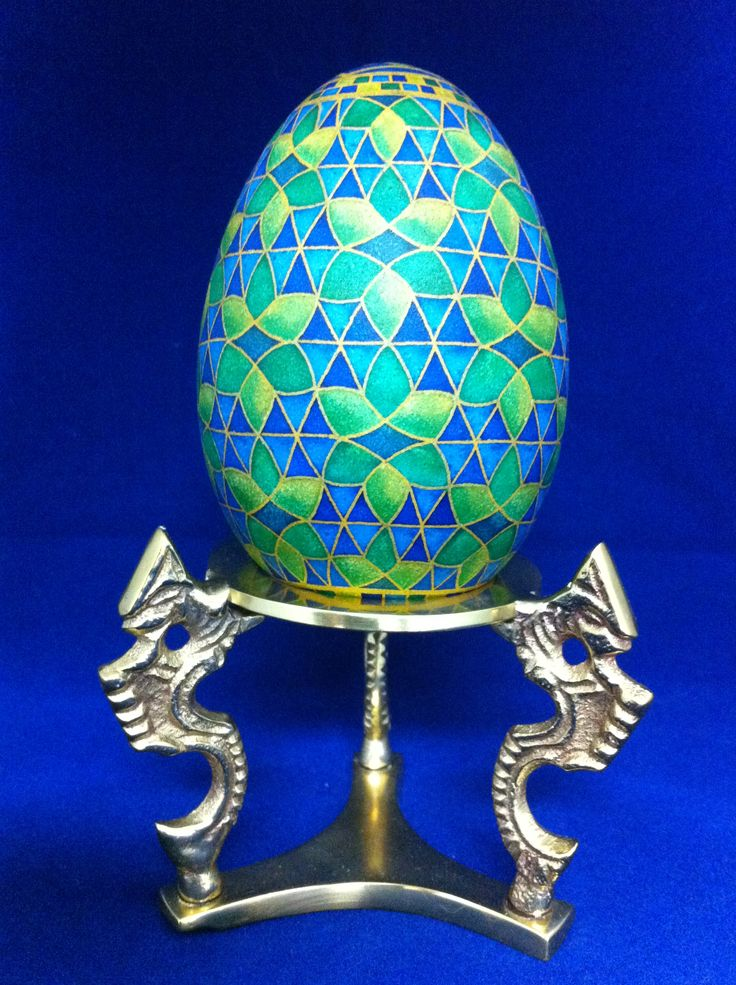 Moroccan inspired goose egg done in the traditional wax batik method by Theresa Somerset of Precision Studio. http://precisionartblog.blogspot.com/