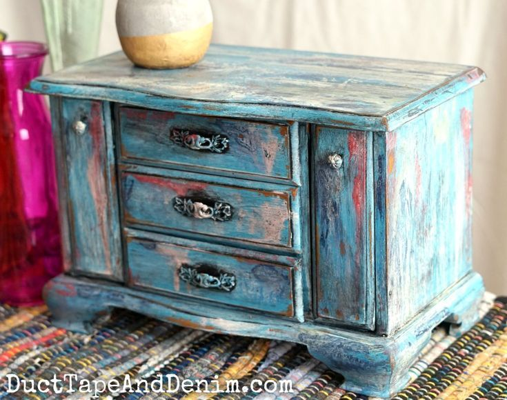 Boho painted jewelry box.  This was a great thrift store makeover! See the befor…   – Thrift Store DIY