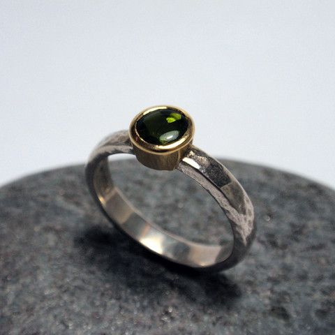 Martellato Hammered Green Tourmaline Ring – Unio Goldsmith