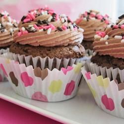 Chocolate-Zucchini Cupcakes--easy and delicious.: Cupcakes Easy, Cupcakes4Ev Ei, Cakes Cupcakes, Cupcakes Allrecipes Com, Cupcakes Chocolates, Cupcakes Recipes, Chocolate Zucchini Cupcakes, Chocolates Zucchini Cupcakes, Cupcakes Yum