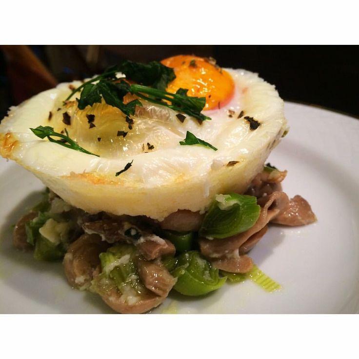 Ovos com queijo e cogumelos by nutrição com coração