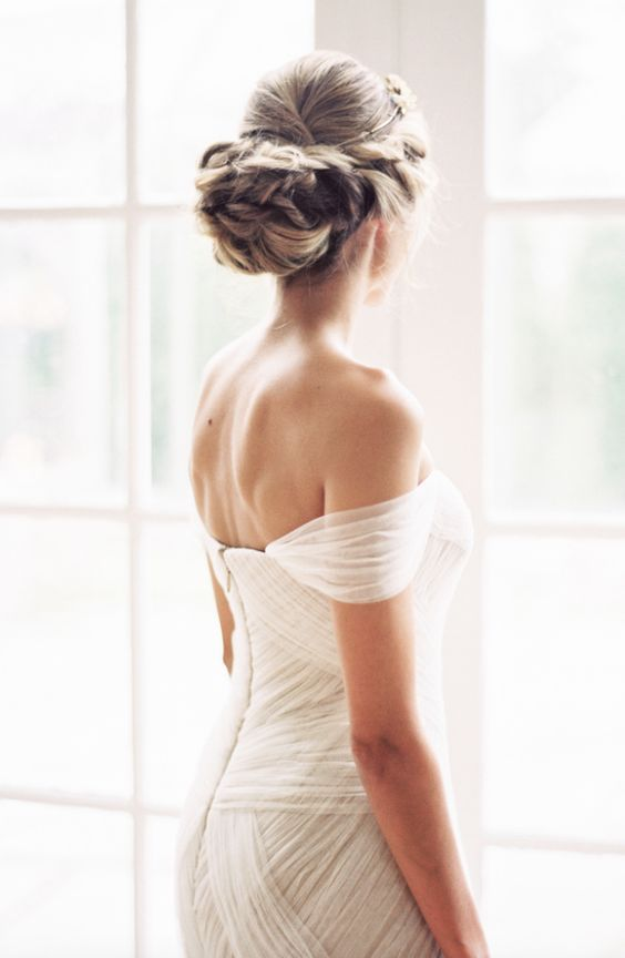 Classic off-the-shoulder white wedding dress; Featured Photographer: Sally Pinera
