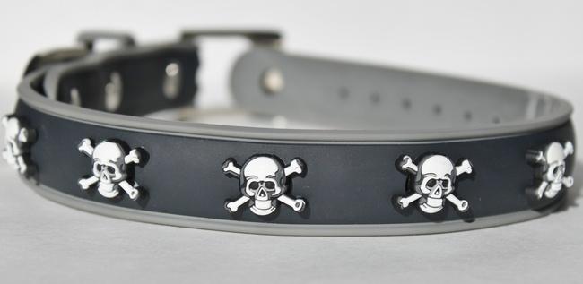 Rocker dog collar