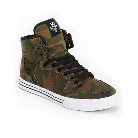 Good luck being stealthy when you're rocking the Zumiez Exclusive Supra Vaider green camo skate shoes. These babies feature a hightop silhouette for added ankle support, extra heel protection molded into their comfortable high memory polyurethane insole, vulcanized construction for superior board feel and traction, and a SupraFoam injected full-length midsole for enhanced impact resistance.