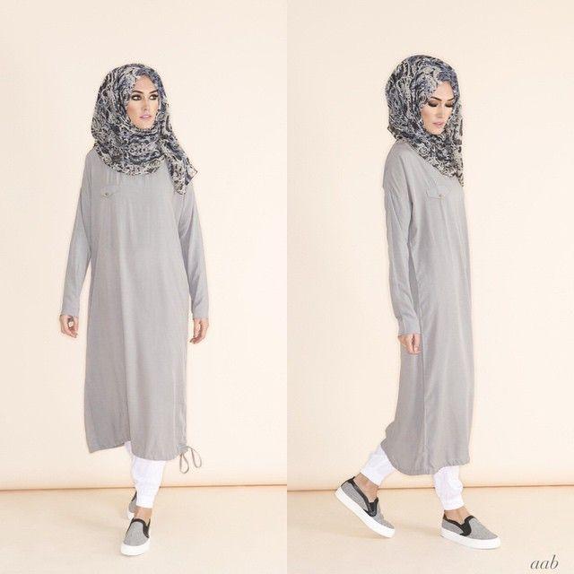 Hijab Fashion 2016/2017: rriving this week Casual Midi Grey Pair with Blue Venezia Chiffon Hijab & White Ankle Grip Trousers Shop online www.aabcollection #aablondon #aabcollection #aabnewarrivals #Aabflagshipstore #glaciergrey #SS15 #spring Hijab Fashion 2016/2017: Sélection de looks tendances spécial voilées Look Descreption rriving this week - Casual Midi Grey Pair with Blue Venezia Chiffon Hijab & White Ankle Grip Trousers Shop online www.aabcollection #aablondon #aabcollection…