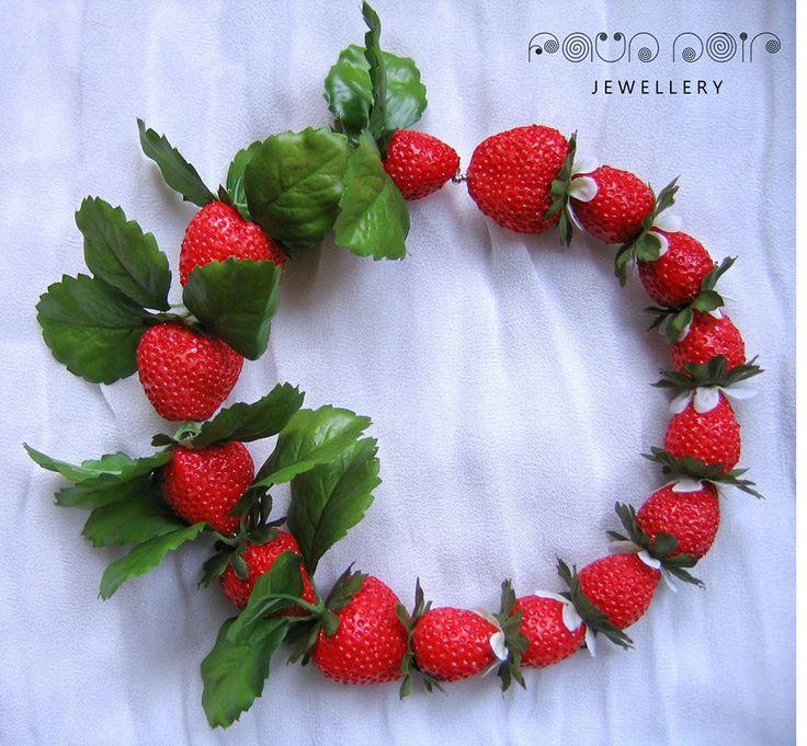 '6 days in Weimaraner Paradise' - necklace
