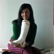 Marianne Melkert met het gips van een gebroken been. Ze werd balletlerares. Nede…