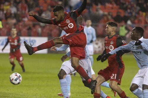AP                  12:48 a.m. ET April 1, 2017                 Toronto FC's Raheem Edwards, top, gets a shot off against  Sporting Kansas City during the second half of an MLS game in Toronto on Friday, March 31, 2017. (Chris Young/The Canadian Press via AP)(Photo: The...  http://usa.swengen.com/sounders-stall-high-scoring-atlanta-in-0-0-draw/