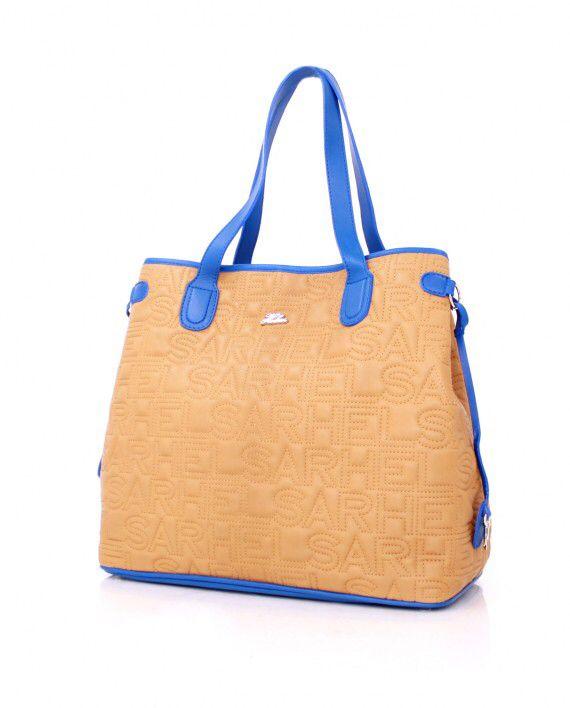 A real headache for men: The ultimate bag for women.  Uma verdadeira dor de cabeça para os homens: A verdadeira bolsa de mulher.