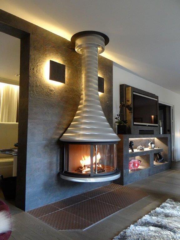 best 100 cheminee metal fireplaces images on pinterest chemin e moderne chemin e murale et. Black Bedroom Furniture Sets. Home Design Ideas