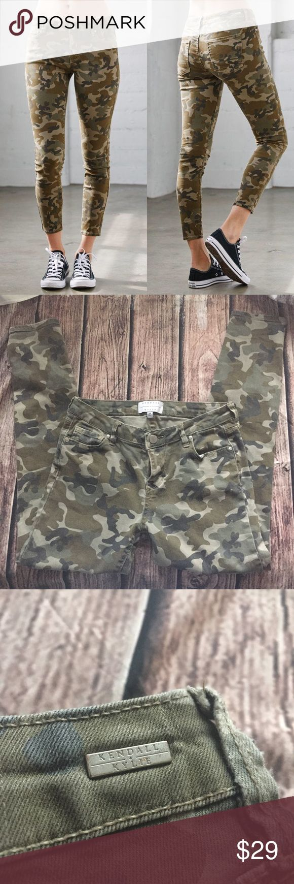 Kendall + Kylie camouflage skinnies size 26 // Kendall + Kylie camouflage skinnies. Kendall & Kylie Pants Skinny