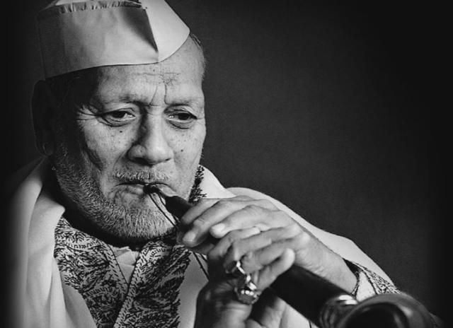 Remembering Ustad Bismillah Khan Saab on his 10th death anniversary. Watch this documentary on him:-