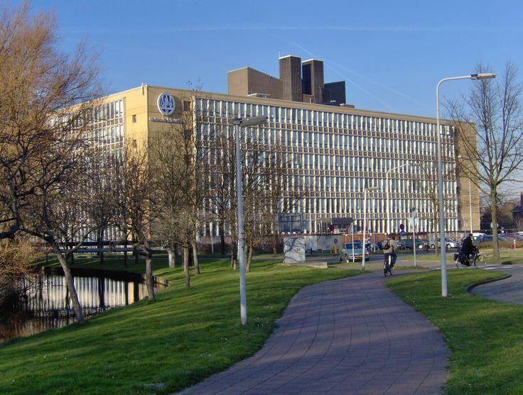 Universiteit Leiden Faculteit der Sociale Wetenschappen: hier volgde ik mijn college's en werkgroepen