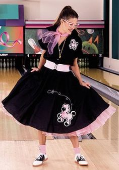 Make A Poodle Skirt With DIY Pattern