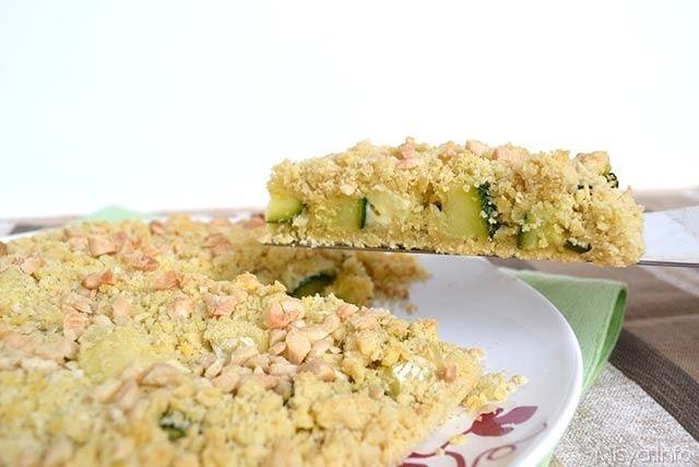 Sbriciolata salata con zucchine e brie, scopri la ricetta: http://www.misya.info/2015/05/22/sbriciolata-salata-con-zucchine-e-brie.htm