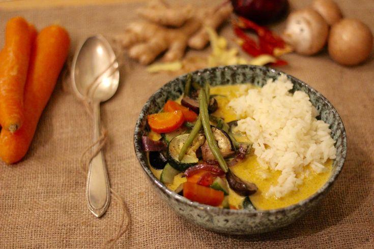 Geröstetes Gemüse mit Kokos-Thai-Curry Soße