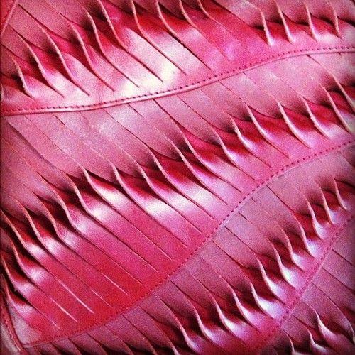, Detalle de cuero trenzado (Tomado con Instagram) ...
