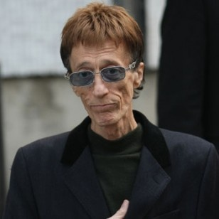 REPORT: Robin Gibb of the BEE GEES Is In A Coma    SENDING PRAYERS!