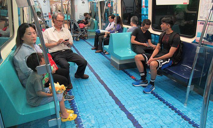 Tchaj-pej proměnila podlahy v metru na sportoviště