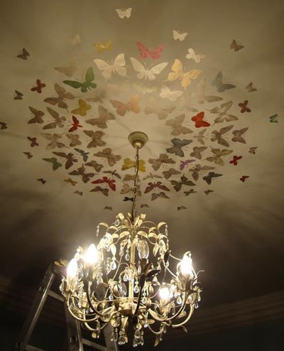 Butterflies stenciled~ great idea for a girl's bedroom! Girl's bedrooms? What about a mom's bedroom? Haha I love this :)