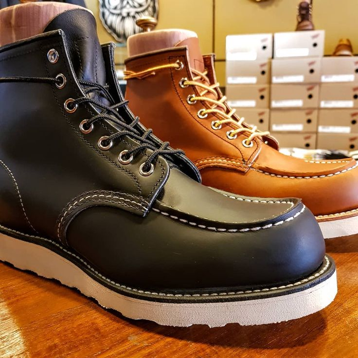 Redwings now @vault13store! These are 2 classic mocs. black chrome leather and oro legacy leather.  #vault13 #vault13store #vault13barbers #vault13tattoo #venlo #venloverrast #venloverwelkomt #venlove #redwing  #redwingshoes #moctoe