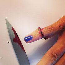 Maquillage professionnel effets spéciaux - Doigt coupé Christelle Lays