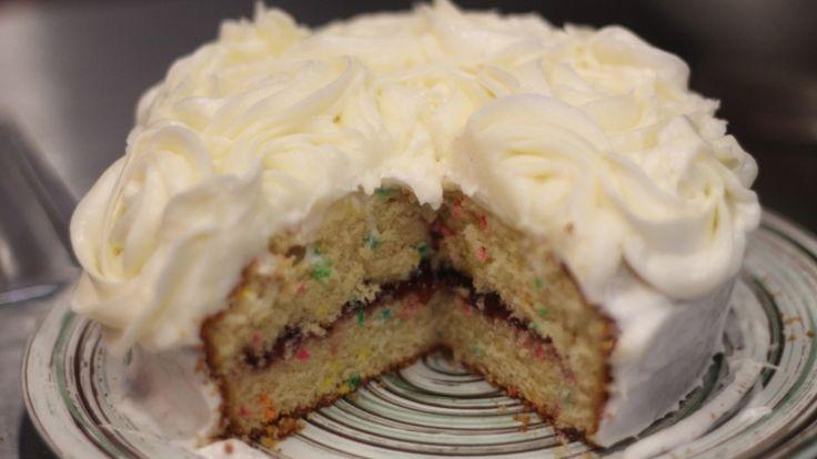 Para todos aquellos que están buscando ese pastel de vainilla perfecto, esponjoso y delicioso para su próximo evento especial.