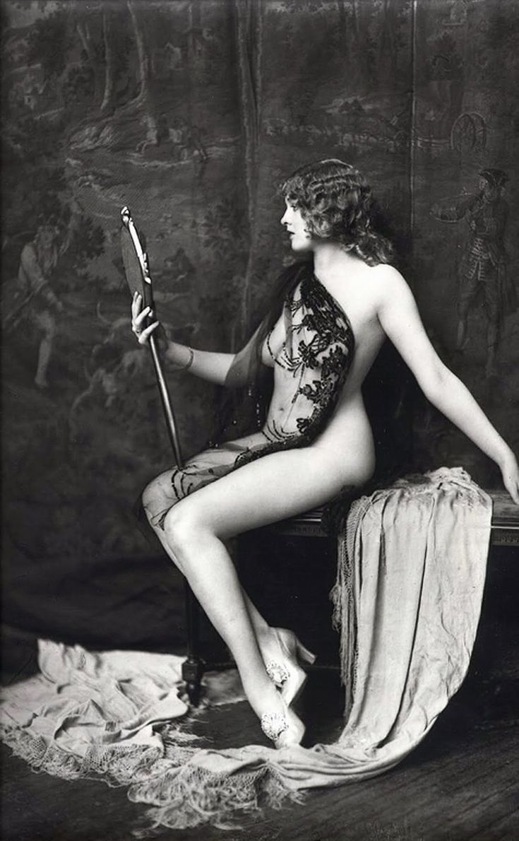 Dancer from the Ziegfeld Follies (1920s)